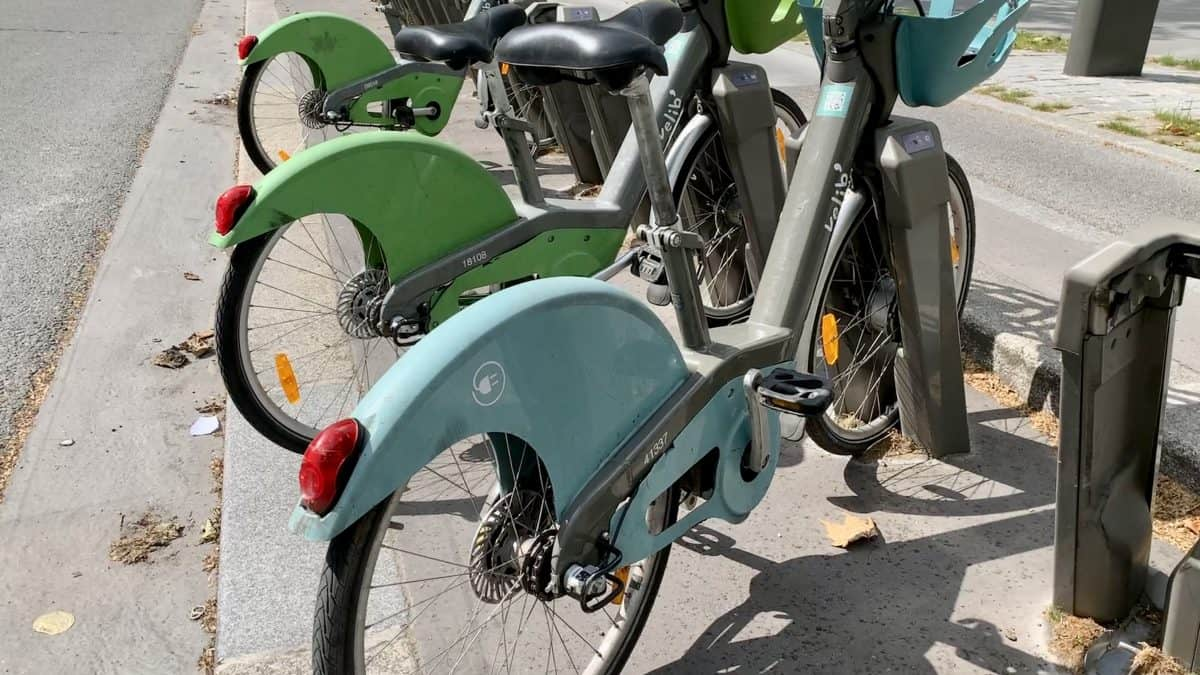 Paris by bike – How to rent a bike in Paris in 2021!