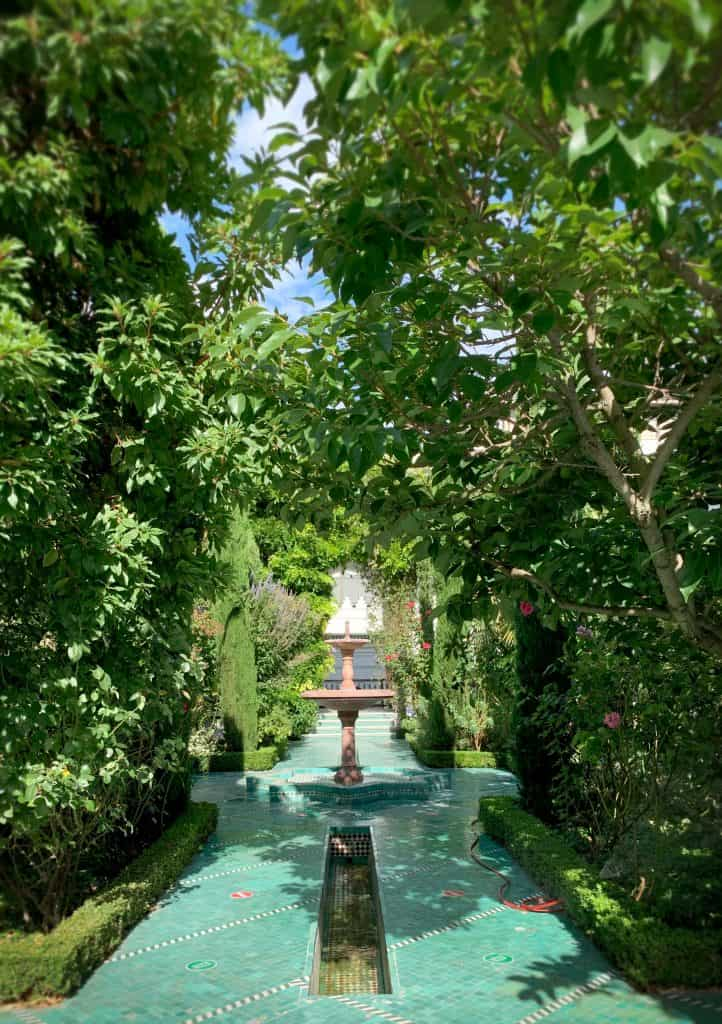Lush Gardens at the Grande Mosque, one of the nicest secret spots paris