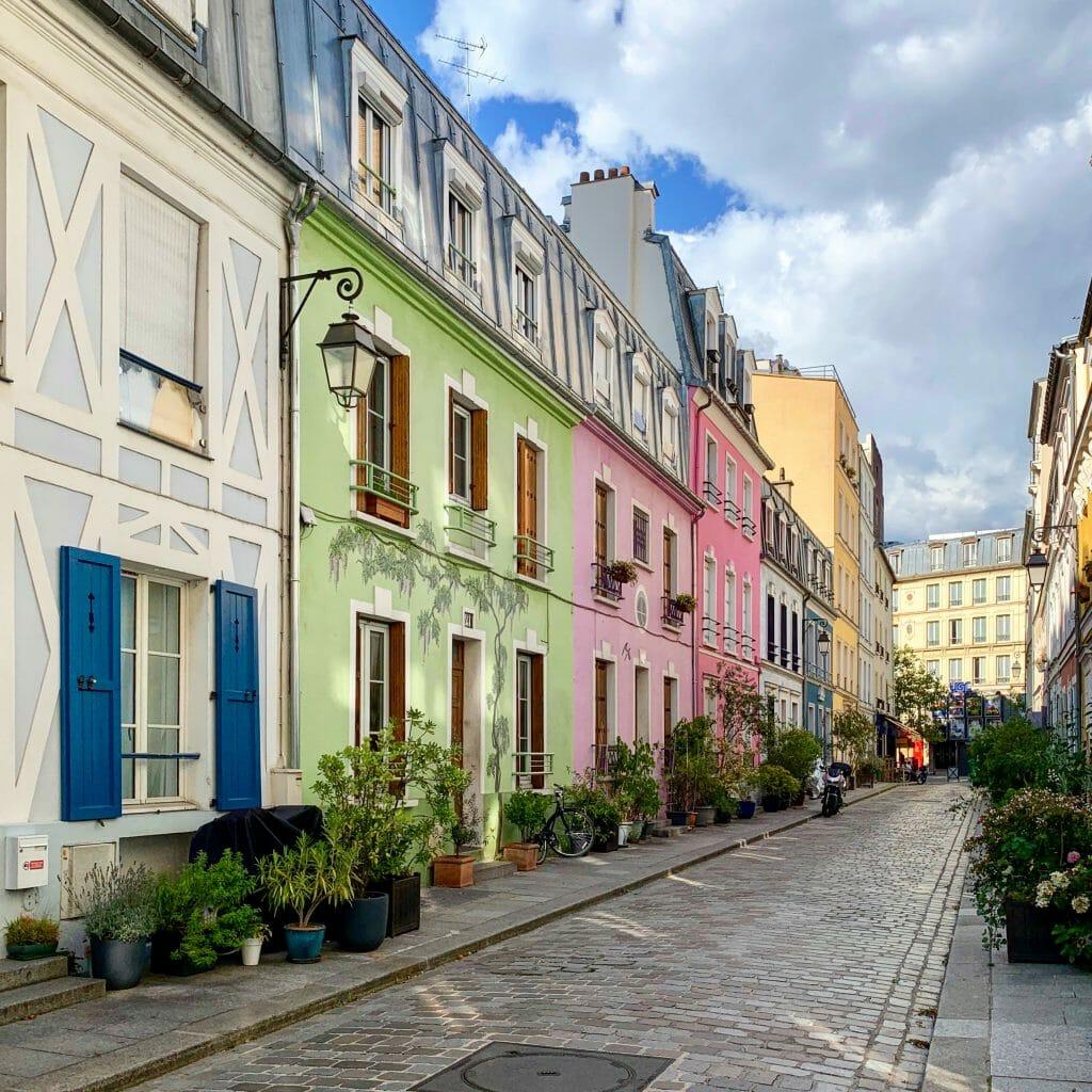 Rue Crémieux - a colourful street near the Gare de Lyon