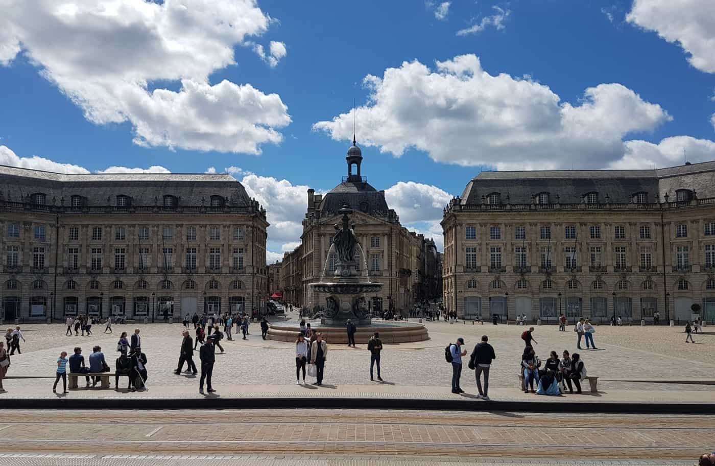 day trips from paris by train - Bordeaux is only a couple of hours away from Paris and therefore makes an excellent day trip from Paris