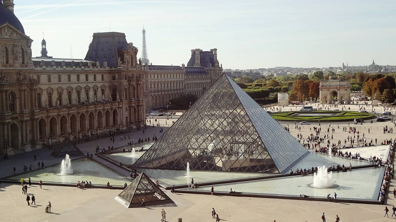 No matter how many days to visit Paris - the Louvre should be on your agenda.