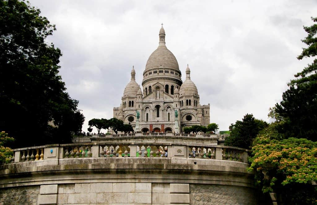 a good end of your Paris one day trip: Sare coeur - spent one day in Paris and end your day in paris with a view over Paris by night