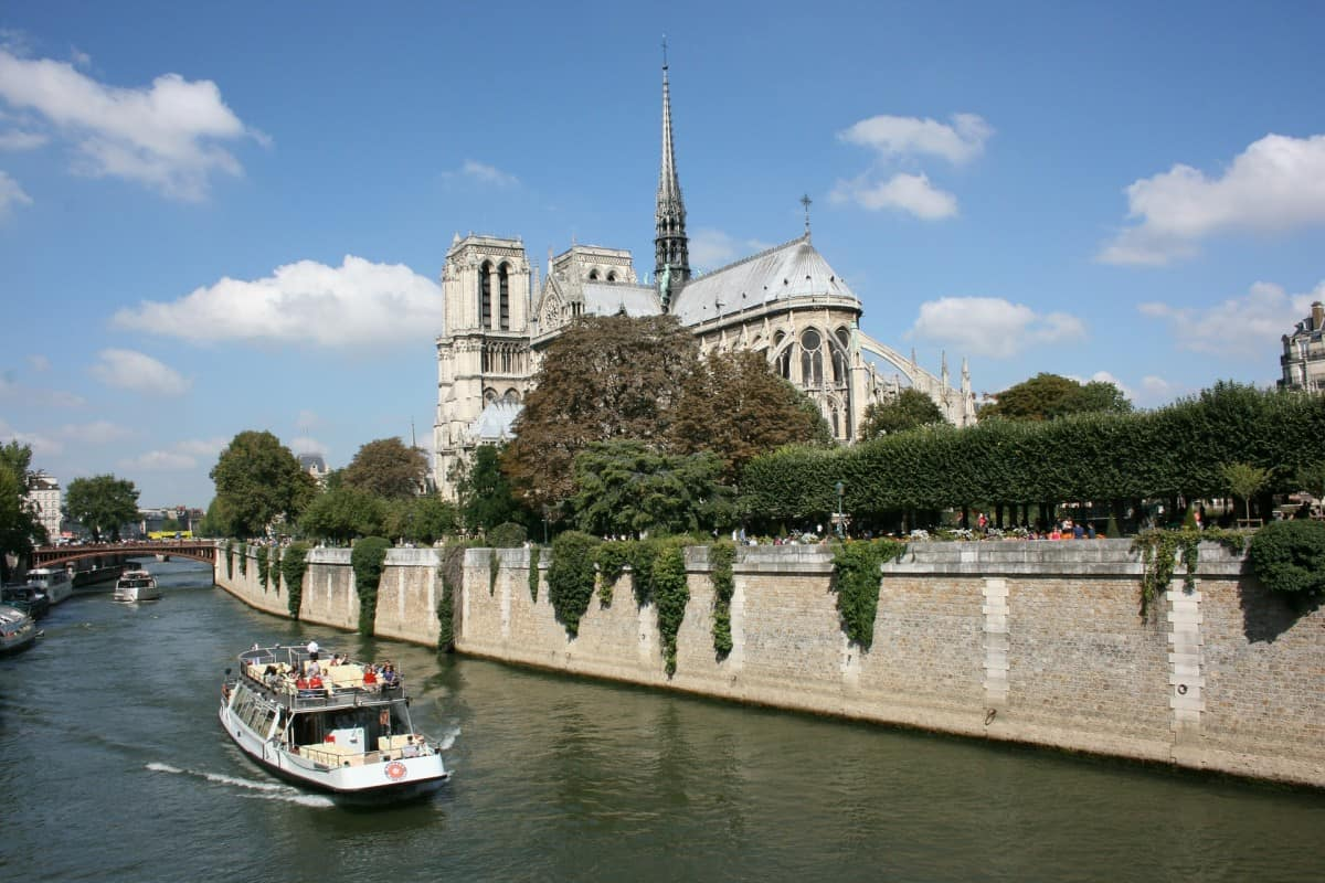 When visiting Paris with kids taking a Cruise on the Seine is one of the nicest things to do