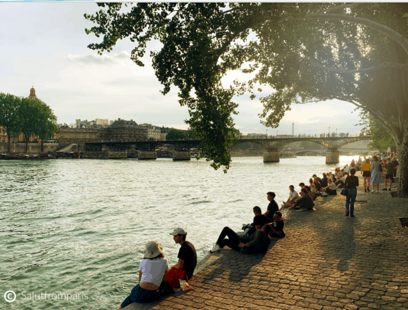 Paris in spring time means its finally time again for an relaxed apéro by the Seine river banks