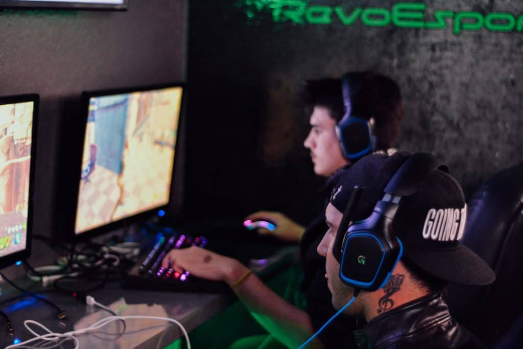 Gaming Bars in Paris - ESports - Fin things to do in Paris France