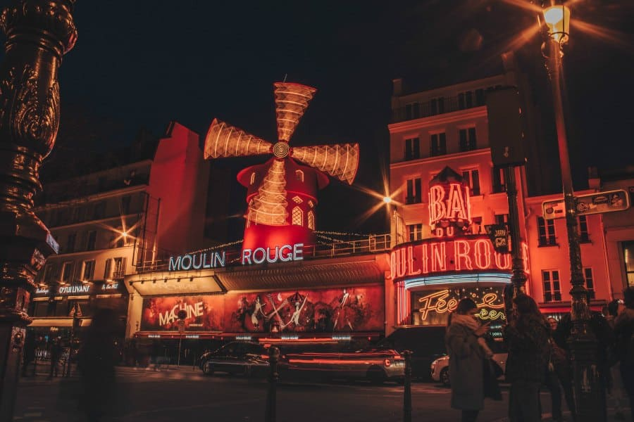 The moulin rouge is open on january 1st