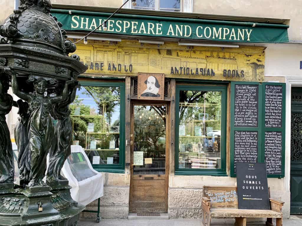 Wallace fountain in front of Shakespeare and Company - a good example for where to find in paris tap water