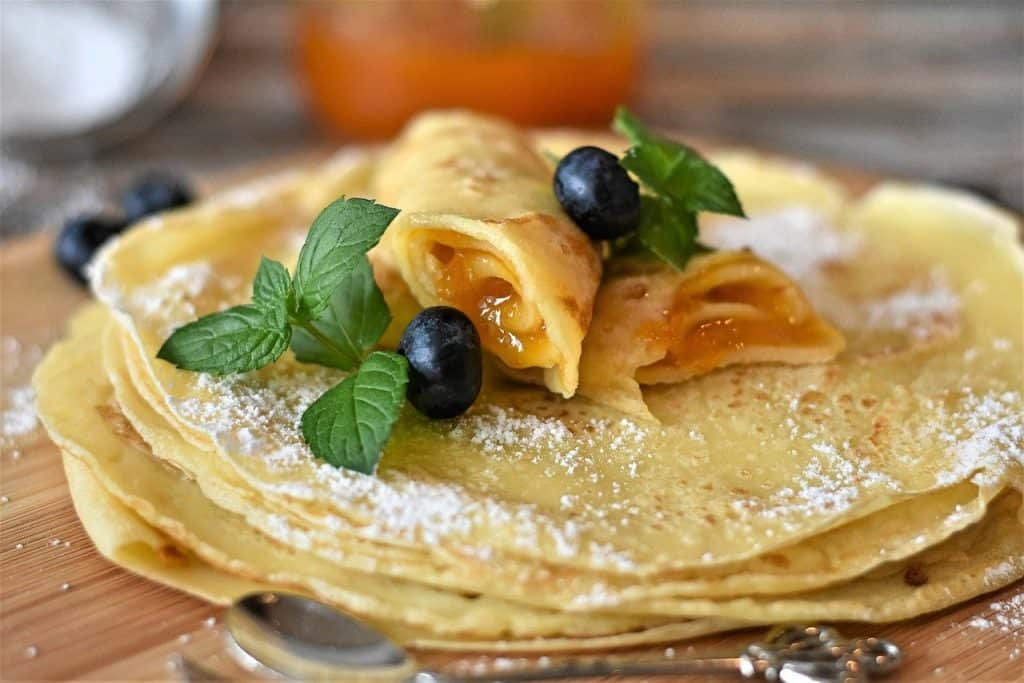 delicious crêpes - easy to cook, even if the recipe is in French