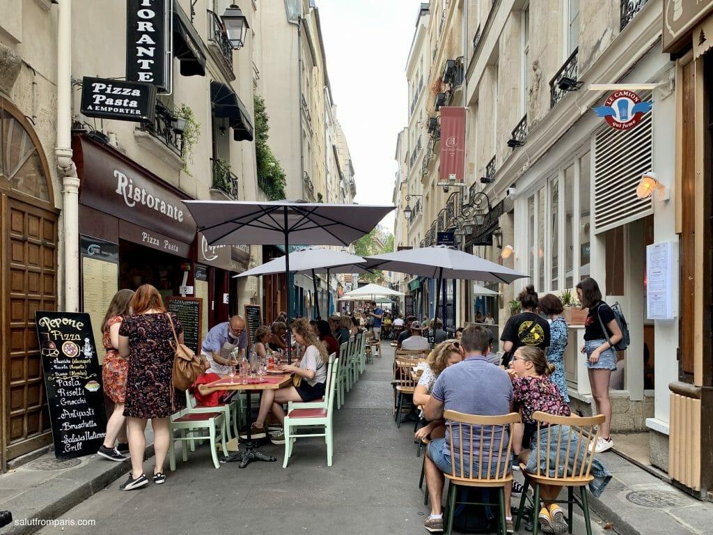Paris terraces after Covid 19 - extended on public spaces