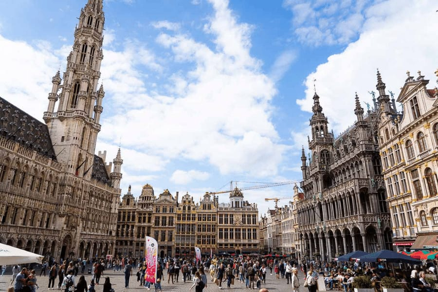 best train trips from Paris: Brussel! It's an easy trip to the nearest country from Paris